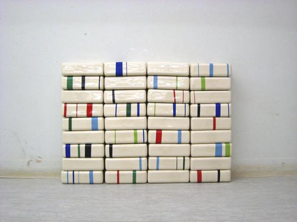 Pile, cerámica, transfers, 2007