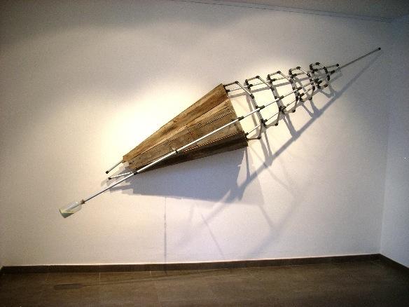 S Metales, P.V.C., madera, cristal, azufre cm.372x65x62 c-2009-