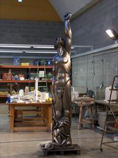 monumento homenaje al pintor Ocaña,3m grafito alta densidad y bronce
