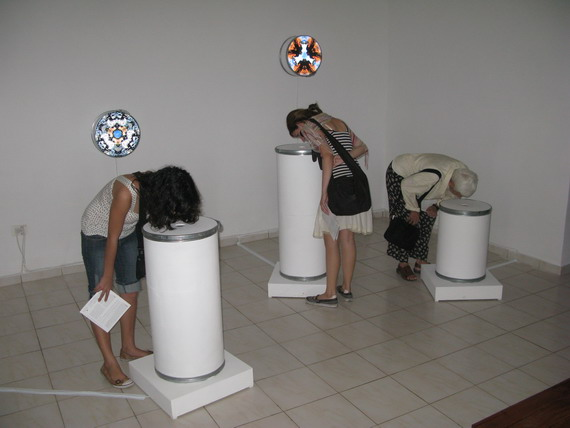 Sandra Ramos.2009. Entropidoscopios. Instalación Interactiva.