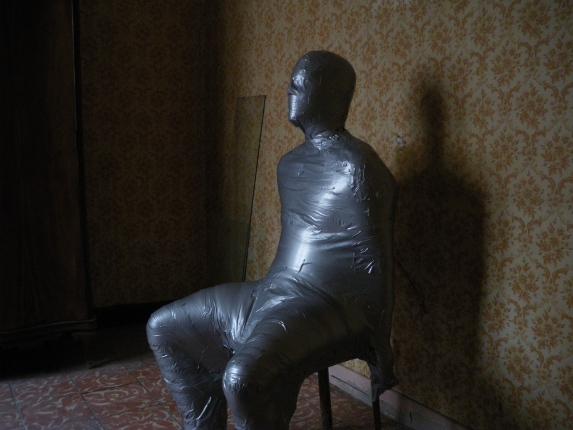 Momificación silla en LaCasaFranca