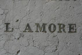 RAMON SICART. L?amore, 2007. Sèrie ?Més enllà de l?oblit?.    Fotografia color.