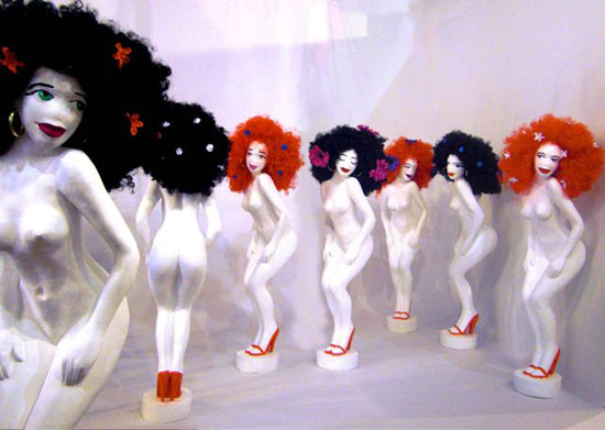 Gogós, baile y sueño. Esculturas en resina de poliuretano policromadas.110 cm