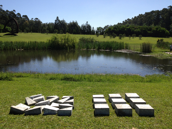Fundación Pablo Atchugarry, Uruguay. Titulo 9 bloques de cemento de 40x40x20 cm
