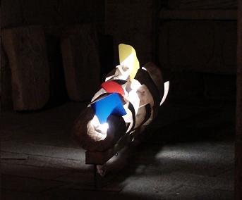 Memória  Madeira de choupo, acrílico e luz de fluor