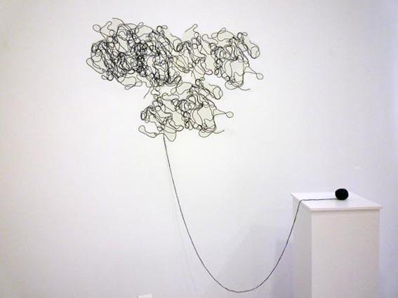 Metamorfosis, 2010, lana y papel