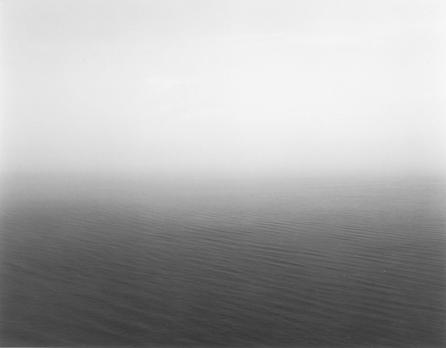 Foggy Seascape. SUG-366. Fotografía en blanco y negro, 51 x 61 cm.