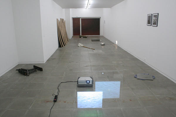 Jack Strange, Vanessa Billy, The Huts..Installation view at Galeria Nuno Centeno