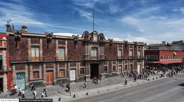 Fachada Museo de la Ciudad de México foto Pepe Molina