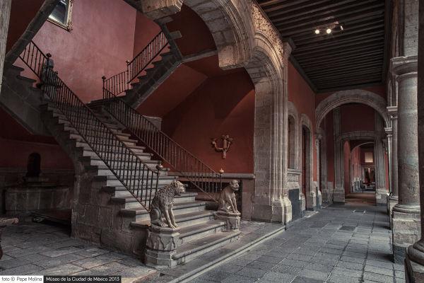 Patio principal Museo de la Ciudad de México Foto Pepe Molina