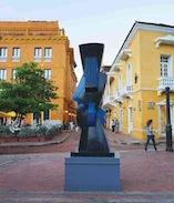 Esculturas de Sophia Vari en la Plaza museo naval, Cartagena de Indias