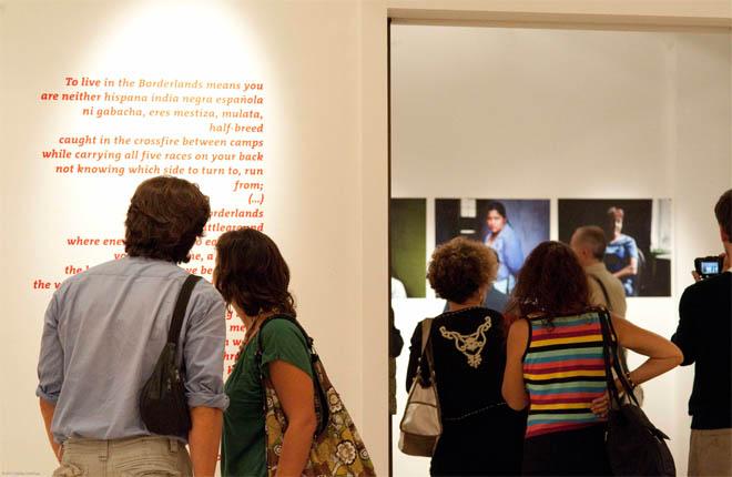 Exposición Motherland