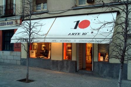 Galería Arte 10. Frente a la entrada principal del Museo Reina Sofía