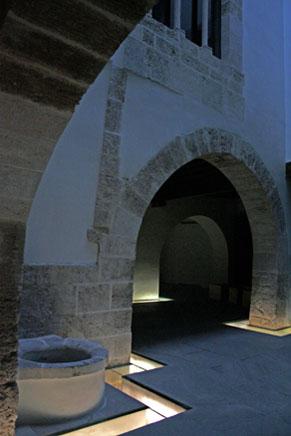 Detalle del patio central, Palau Joan de Valeriola. Fundación Chirivella Soriano