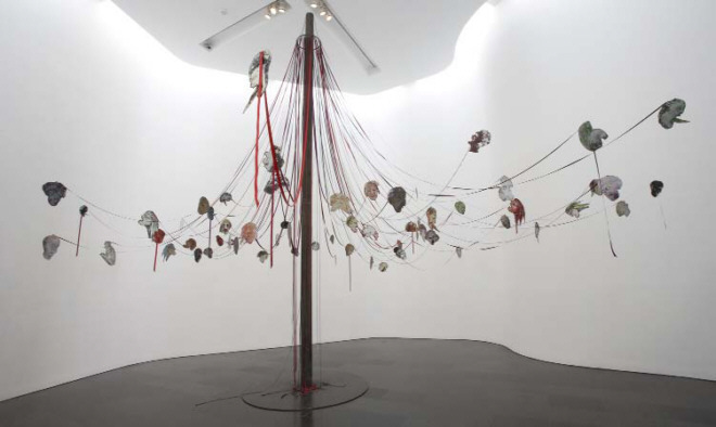 Nancy Spero, Maypole take no prisioners, 2007
