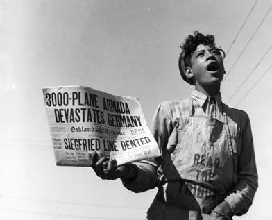 Dorothea Lange, Noticias en Richmond, Aviones destrozan el Reich, 1944