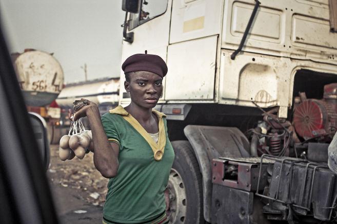 Donald Omope, Y yo qué, Nigeria
