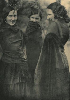 José Ortiz Echagüe, Chulas de mantón