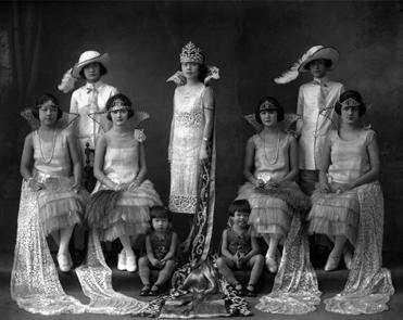 Carlos Endara, S.M. Beatriz Luthas de Limchin, primera Reina del Carnaval, 1925