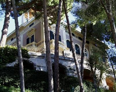 Vista del jardín de Villa dei Pini, sede de la Fundación Bogliasco