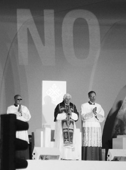 Santiago Sierra, NO Pope, Madrid 2011