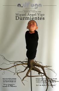 Invitación exposición Durmientes de Miguel Ángel Vigo-Comisaria Beatriz S. Saá