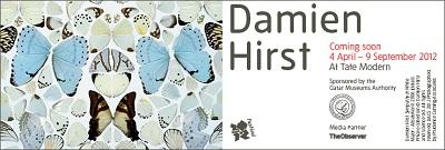Cartel de la retrospectiva de Damien Hirst en la Tate Modern de Londres