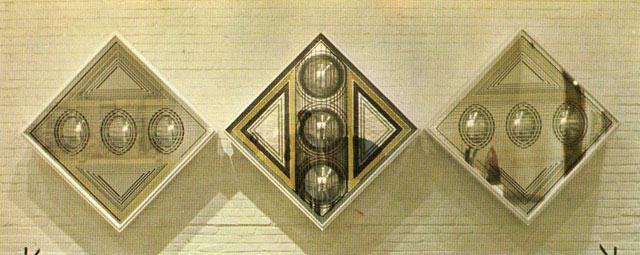 Eduardo Sanz, Tríptico, 1971. Espejo y cristal. 140 x 420 cm.