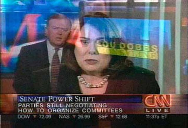 Omer Fast - CNN Concatenated, 2002. Installation vidéo.