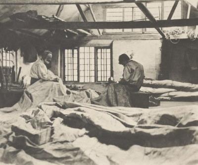 Peter Henry Emerson, Dans l'atelier de voilerie, 1890