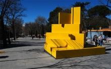 Amarillo, de Gerardo Rueda en la Cuesta de Moyano. Madrid 2009