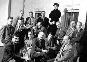 Hedda Sterne al fondo. Los Irascibles, Nueva York, 1950. Cort. Getty Images | Fallecen Tichý y Hedda Sterne