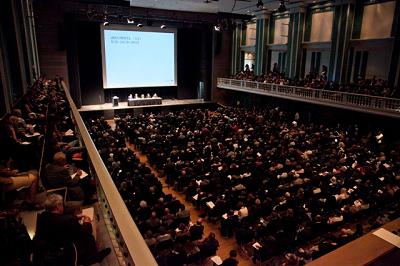 Conferencia de prensa de dOCUMENTA 13. Foto de Krzysztof Zielinksi | 20 artistas iberoamericanos en dOCUMENTA (13)
