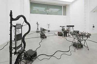 Parte de la exposición de Pedro Reyes en Lisson | Primeras individuales de Pedro Reyes y Carlos Bunga en Reino Unido y Colombia