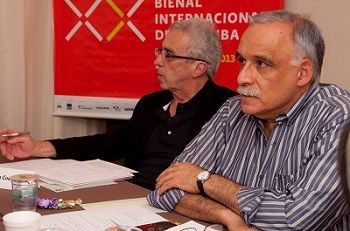 Los curadores generales Teixeira Coelho y Ticio Escobar.  Foto de Rodrigo Cardos   Arranca la Bienal del Museo del Barrio y se aproxima la Bienal de Curitiba