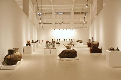 Vista de la exposición de Eduardo Arroyo en el CAC de Málaga | El CAC y el Museo de Arte Abstracto Español acogen amplias muestras de Arroyo