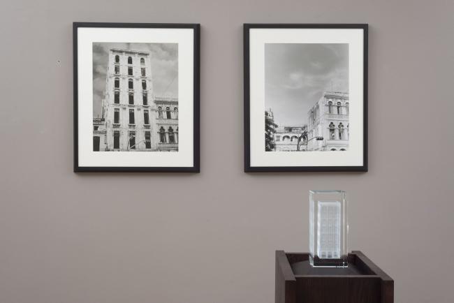 CARLOS GARAICOA, Birlibirloque (Hotel San Carlos), 2018. Instalación. Créditos fotográficos Oak Taylor-Smith. Cortesía: el artista y Galería Elba Benítez, Madrid