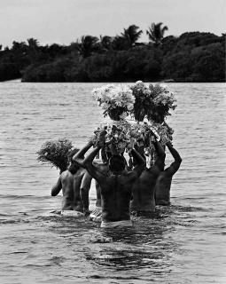 """Andrea Fiamenghi, """"Presente das Águas"""" (2017)"""