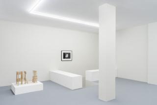 Vista de la exposición «Surender, Surender». Fotografía de João Neves) — Cortesía de Balcony