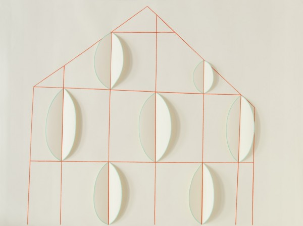Sabine Finkenauer, Casa. 2015, lápiz y collage sobre papel, 140x190 cm.