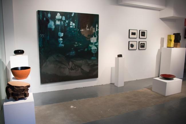 """Vista de la exposición """"Cerámica japonesa"""" — Cortesía de la Galería Álvaro Alcázar"""
