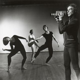 Merce Cunningham Dance Company in TV Rerun. Photo by Jack Mitchell, 1972 — Cortesía de LOOP Festival