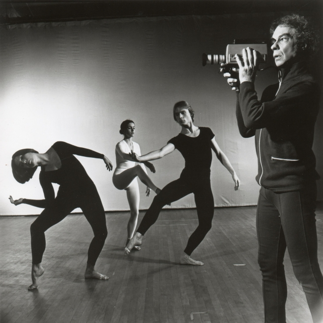 Merce Cunningham Dance Company in TV Rerun. Photo by Jack Mitchell, 1972 — Cortesía de LOOP Festival