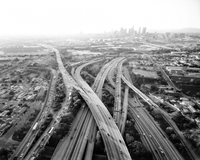 Highways 5, 10, 60, and 101 Looking West, L.A. River and Downtown Beyond, Michael Light, 2004. Pigment print from Los Angeles, 02.12.04 (San Francisco, 2004). The Getty Research Institute, 2653-225. Courtesy the artist and Craig Krull Gallery, Santa Monic
