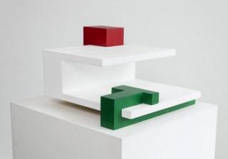 Espacios Correspondientes (estructura variable de tres elementos), 1967  Maqueta (2014)  Acrílico sobre madera  28,8 x 46,3 x 48,8 cm  Edición 1 de 3 (incluye dibujo)