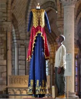 Los grandes vestidos reales. Imagen cortesía Cultura Rosario