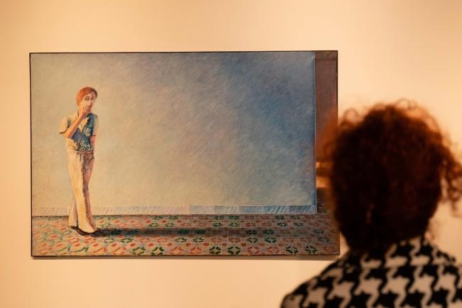 Guillermo Pe?rez Villalta, 'Personaje ante una pared' — Cortesía de la Fundación Chirivella Soriano