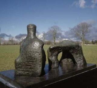 Henry Moore, Figura reclinada en dos piezas núm. 2, 1960