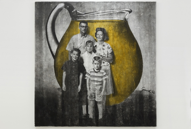 Juan José Gurrola, Familia Kool Aid (Kool Aid Family) from the series Dom-Art, c. 1966–1967. Photographic slide. Courtesy of the Fundación Gurrola A.C. and House of Gaga, Mexico City, Mexico, and Los Angeles, California.