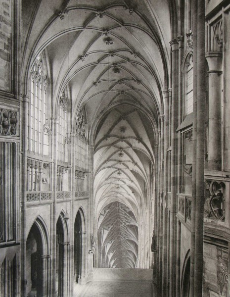 Fernando Martín Godoy, Infinite Cathedrals 14. 2016. Collage / papel. 18 x 13 cm.